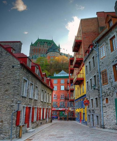 Old Town Quebec though I dont remember it being quite so colorful when I was there Canada điểm đến du học lý thú cho du học sinh
